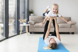 Sport-enfant-avec-maman